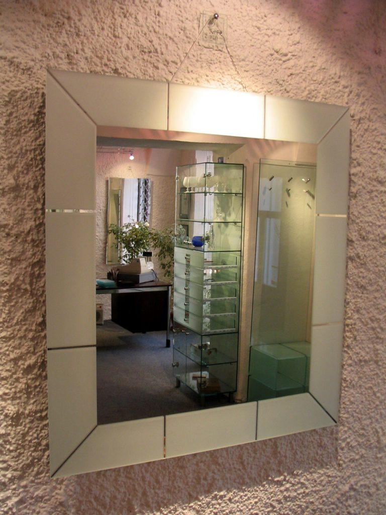 Z33 - zrkadlo s pieskovaným lemom
